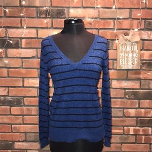 💙💙Mossimo Fall Striped Sweater Navy Colored Soft